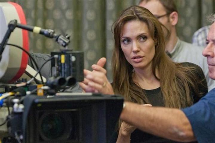 Acusan a Angelina Jolie de racismo en Japón