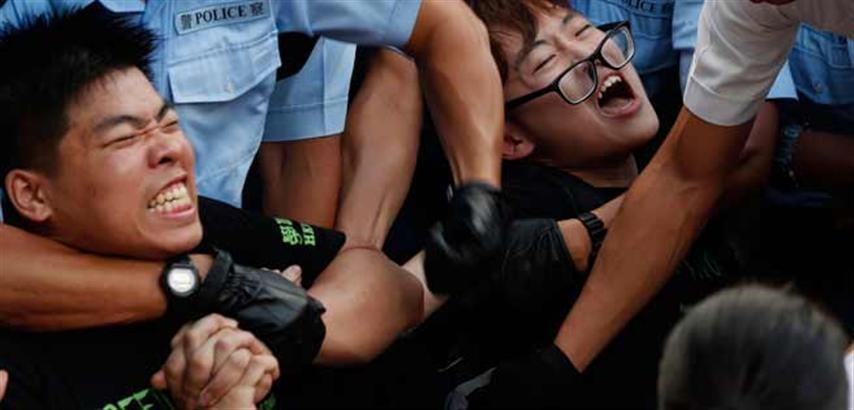 Detienen manifestantes en Hong Kong