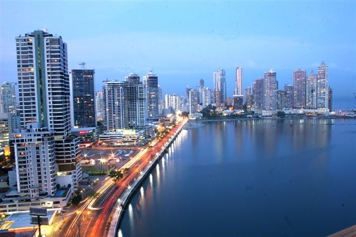 Panamá liderará la oferta de empleo 2015