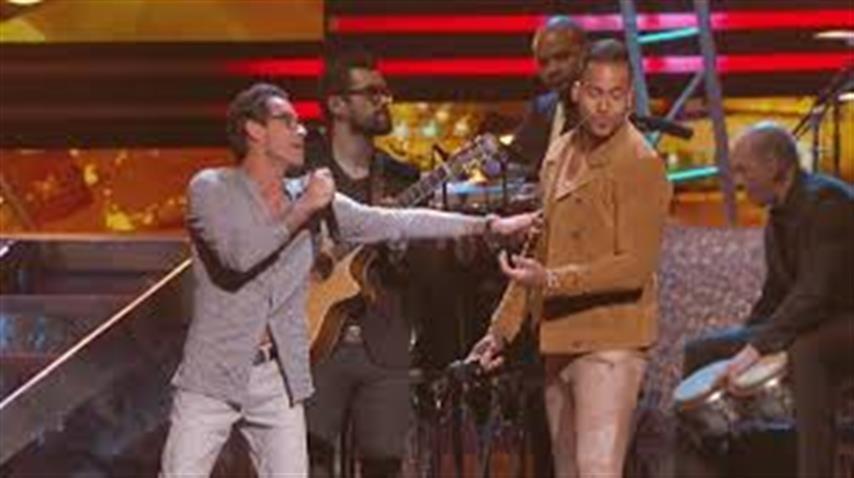 Marc Anthony y Romeo Santos cantaron «Yo También» en Premio lo Nuestro 2015