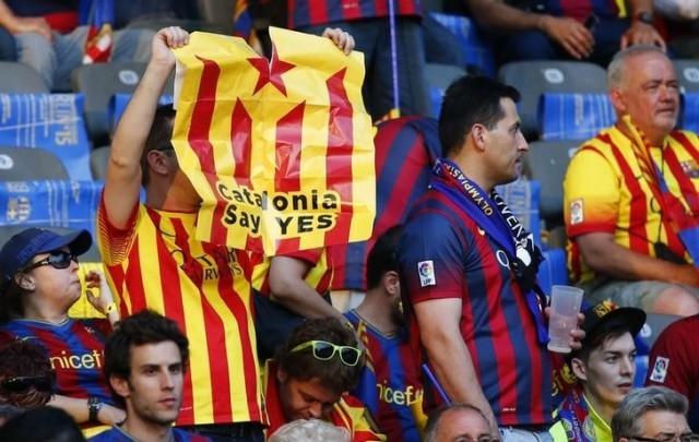 Multan al Barcelona por exhibición de banderas independentistas