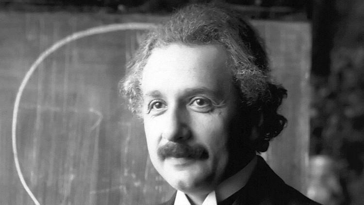 Subastan cinco cartas originales de Albert Einstein con su visión sobre Dios e Israel