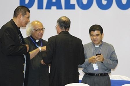 """En la foto, Obispos de Nicaragua ligados al fallido golpe de Estado. Los tranques tenían postrado al país y ellos se sentían dueños de la situación. Pero todo fue un espejismo para estos ambiciosos """"hijos de Dios""""."""
