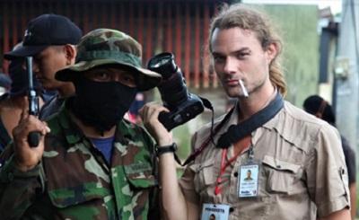 """Cuestionan en Londres apoyo al """"periodista"""" golpista"""